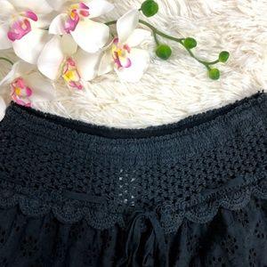 Surf Gypsy Shorts - Surf Gypsy Black Eyelet Shorts scalloped Size M